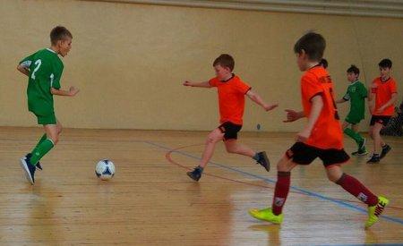 Соревновались юные футболисты