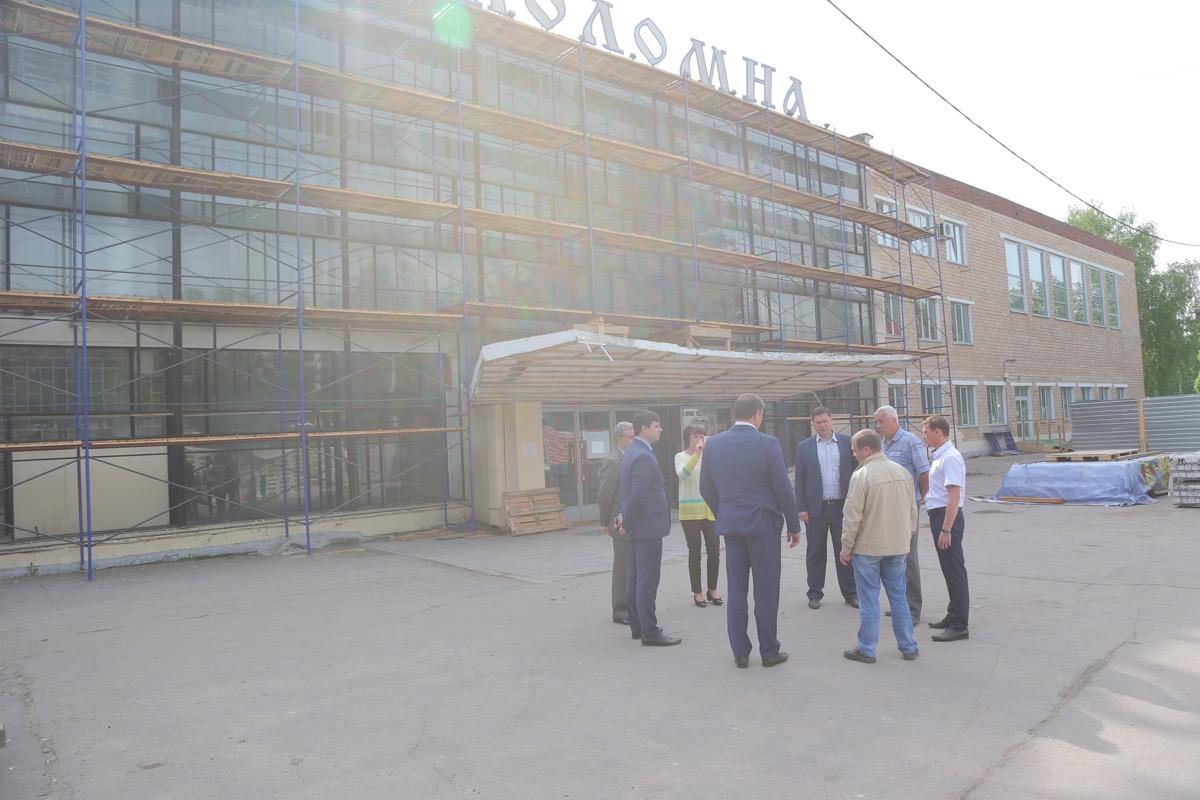 Глава муниципалитета проверил ход капитального ремонта ДК «Коломна»
