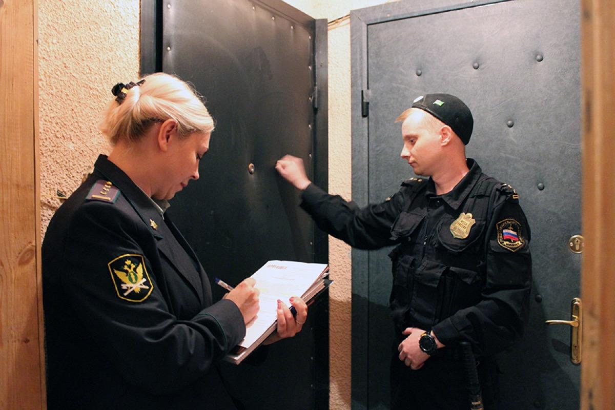 В Коломне прошел рейд по выявлению неплательщиков за услуги ЖКХ