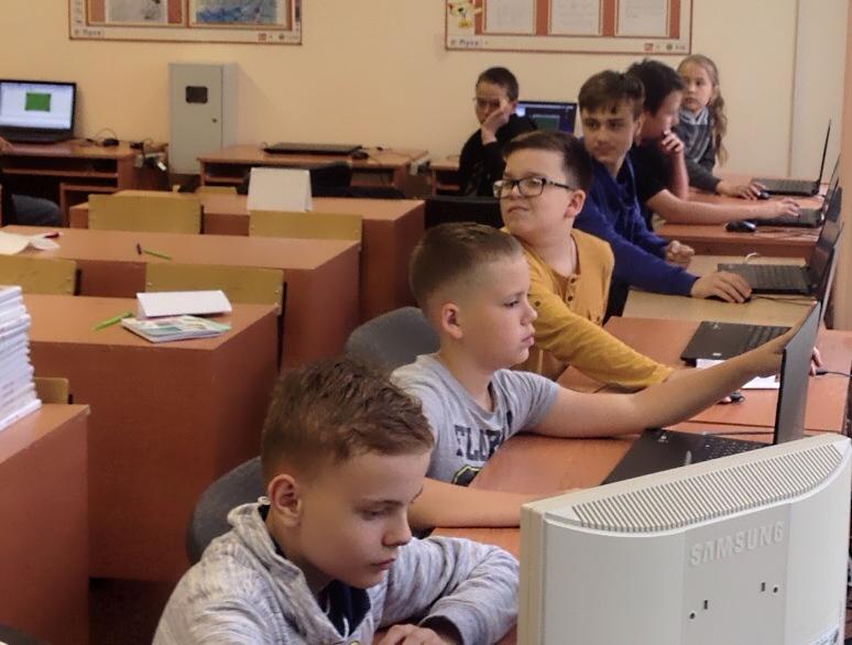 Летняя школа программиста продолжает занятия в ГСГУ
