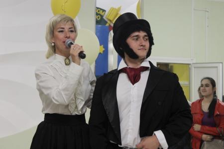 Пушкин и Гончарова поздравили студентов и педагогов ГСГУ с Днем русского языка