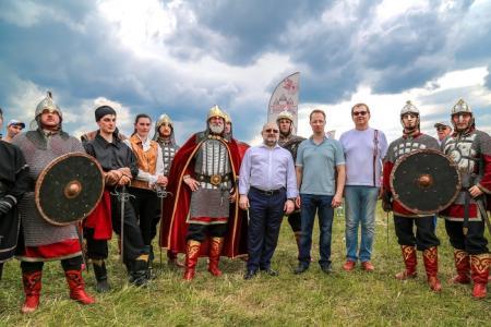 Коломенский центр арт-фехтования провел показательные выступления на фестивале «Русский мир»