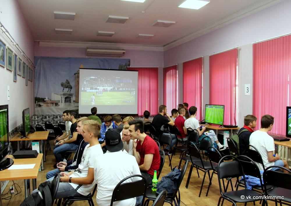 Молодежь Коломны сразилась в футбол на джостиках