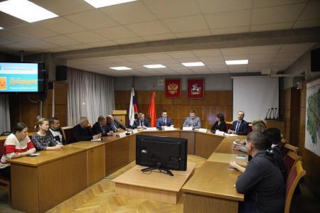 Глава округа встретился с активными гражданами