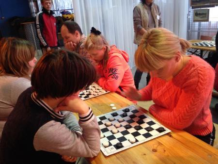 В РДК «Черкизово» сыграли в шахматы и шашки