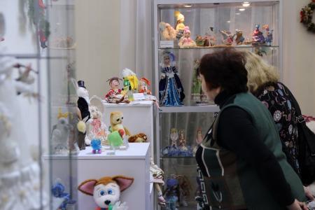 В «Доме Озерова» открылась выставка авторских кукол