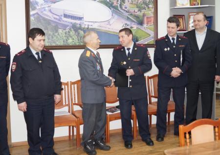Коломенские полицейские поздравили ветерана с юбилеем