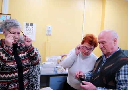 Пожилые коломенцы проверили зрение