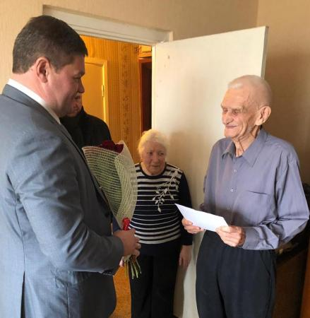 Денис Лебедев поздравил коломенца с 95-летием