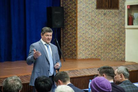 Глава округа и жители Акатьева обсудили насущные вопросы