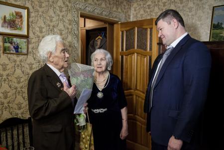 Глава округа поздравил со 100-летним юбилеем участника Великой Отечественной войны Якова Львовича Загорского
