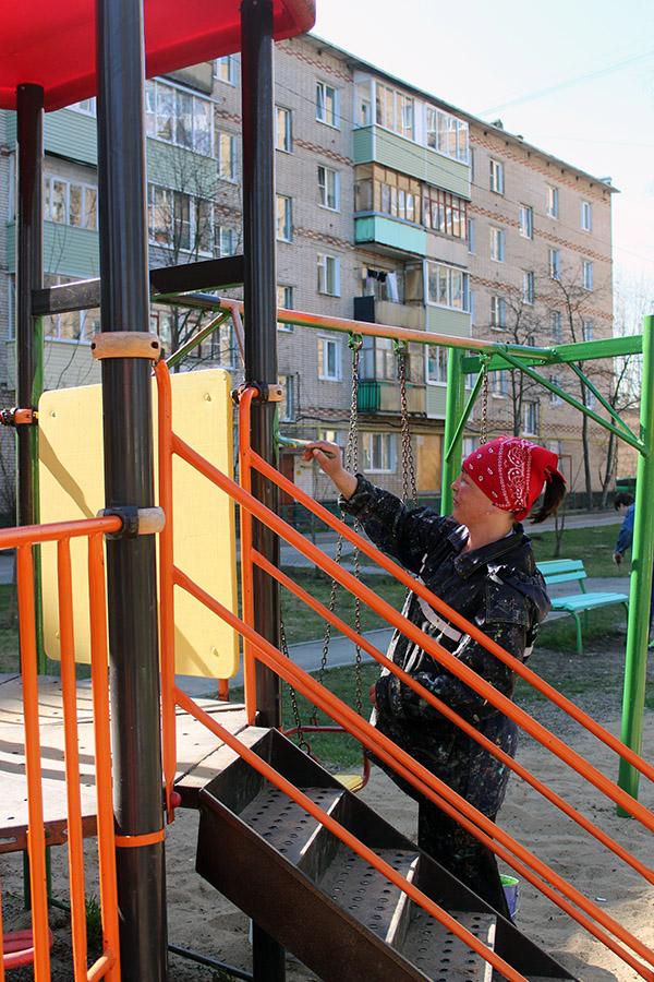 Новости Коломны   Детские и спортивные площадки приводят в порядок Фото (Коломна)   sport otdyih dosug iz zhizni kolomnyi