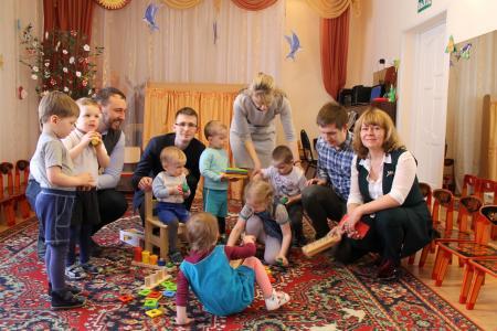 Совет молодых специалистов КБМ потратил премию губернатора на детские дома