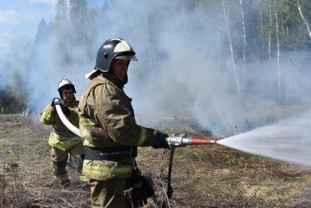 На учениях отработали действия при тушении природных пожаров