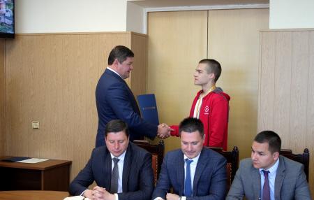 Глава наградил студента колледжа Коломна - призёра Национального чемпионата WorldSkills Russia
