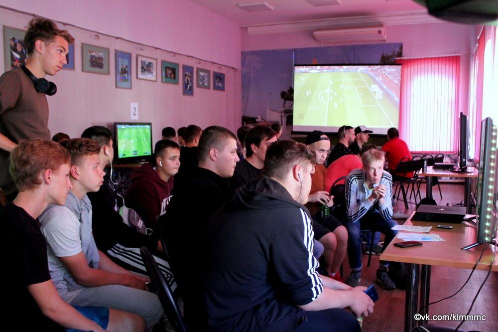 Новости Коломны   Геймеры Коломны сразились в FIFA'19 Фото (Коломна)   iz zhizni kolomnyi