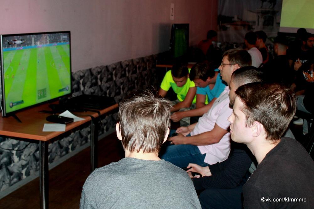 Геймеры Коломны сразились в FIFA'19