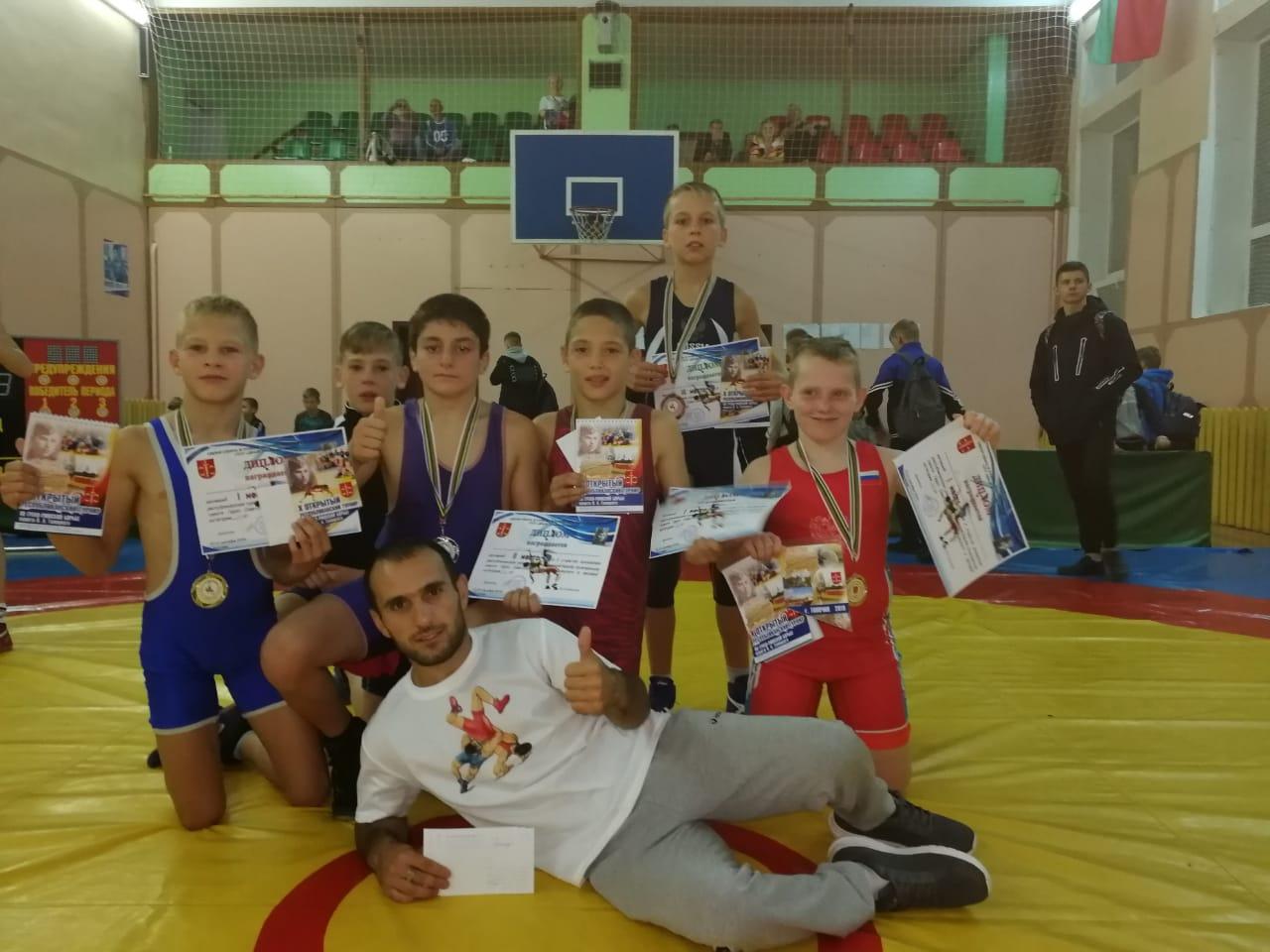 Коломенские борцы стали первыми в Беларуси