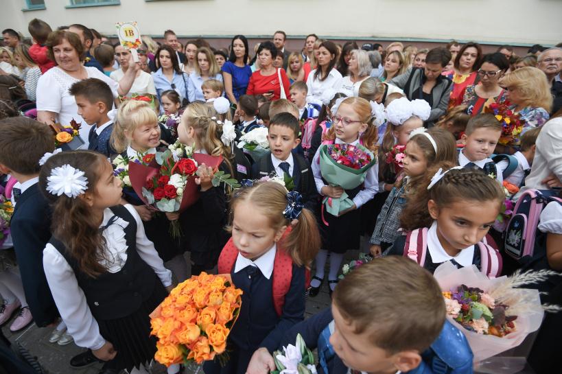 К 1 сентября подмосковные семьи получат «опережающую» выплату детских пособий