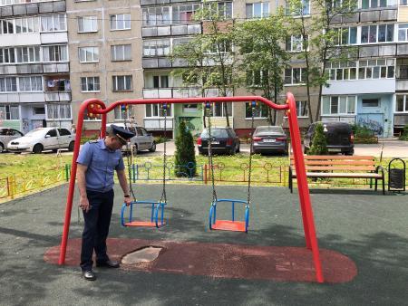 Баженов: В 9 муниципалитетах Подмосковья за неделю благодаря Госадмтехнадзору устранены нарушения на детских площадках
