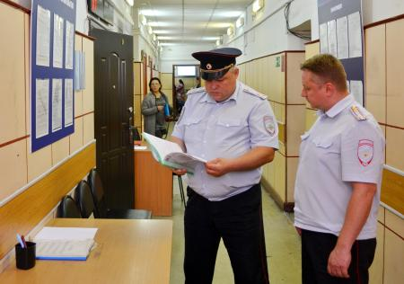 В Коломне начальник УМВД и председатель Общественного совета проверили работу отдела по вопросам миграции