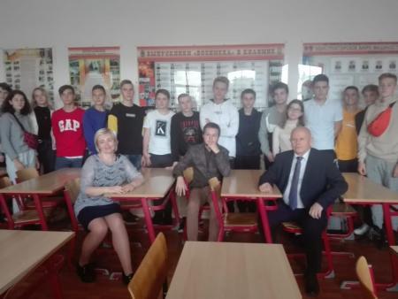 Коломенское предприятие организовало для старшеклассников поездку в «ВОЕНМЕХ»