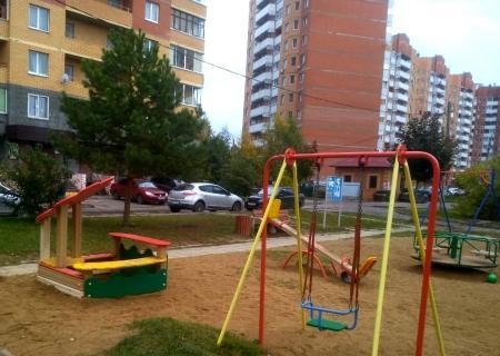 Баженов: Почти 2,5 тысячи детских площадок приведено в порядок по предписаниям Госадмтехнадзора в Подмосковье
