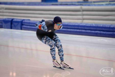 В первый день чемпионата России по конькобежному спорту установили два рекорда катка