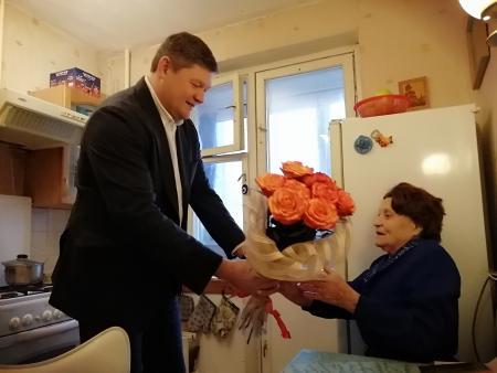 Глава Коломенского городского округа Денис Лебедев поздравил коломчанку с 90-летним юбилеем