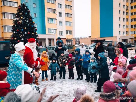 Новогодние программы для детей прошли во дворах Коломны