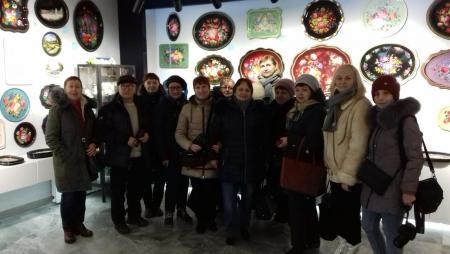 В рамках проекта «Активное Долголетие» состоялась экскурсия в музей подносов Жостовской фабрики декоративной росписи