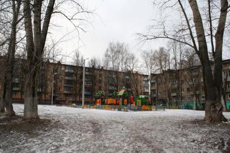 Во дворе на улице Леваневского расширят парковку и отремонтируют дорогу