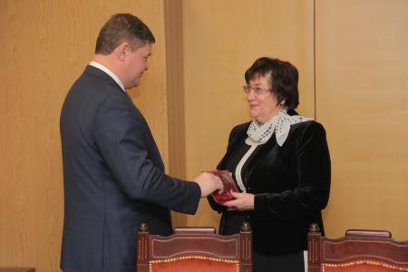 Лучших коломенских аграриев наградили медалью «90 лет Московской области»
