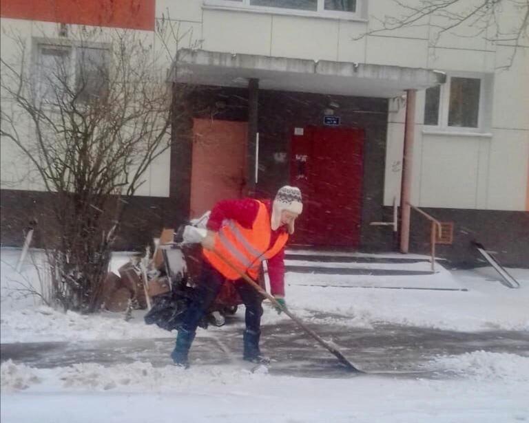 Новости Коломны   В праздничный день коммунальные службы Коломенского городского округа вышли на уборку снега Фото (Коломна)   iz zhizni kolomnyi