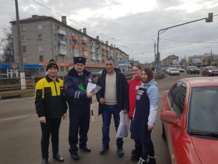 Коломенских водителей поздравили с праздником
