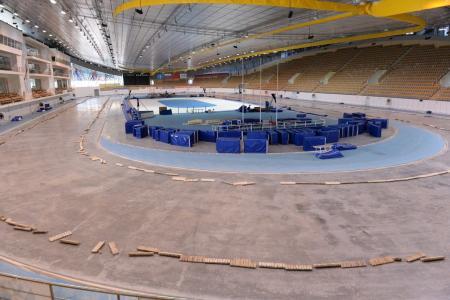Технологический перерыв на ледовой арене Конькобежного центра совпал с введением мер по борьбе с коронавирусом