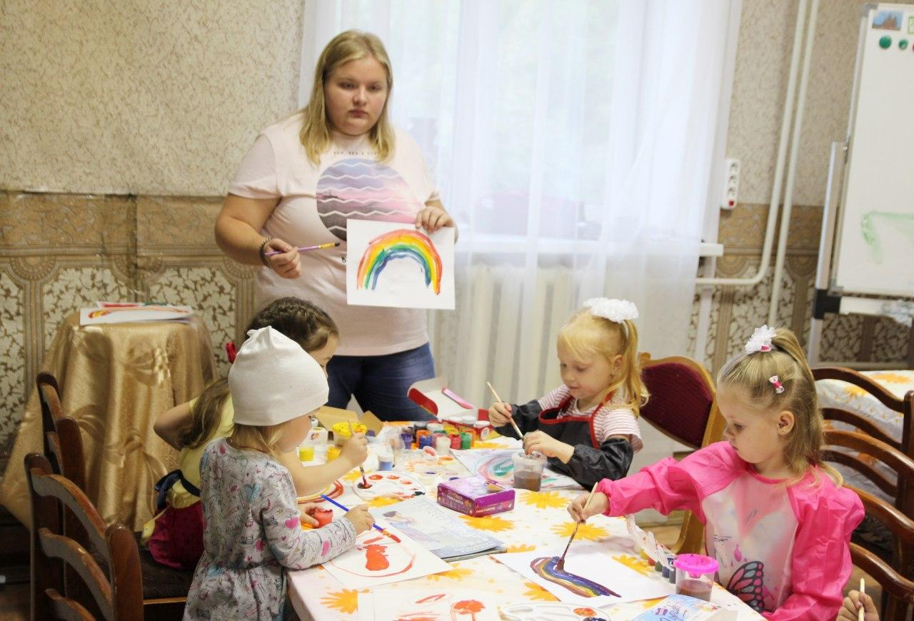 Дом Озерова приглашает в кружок изобразительного искусства «Мечтатели»