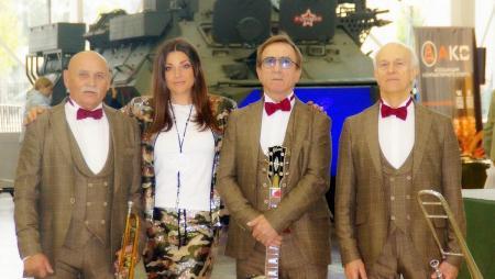 Легендарный ВИА «Лейся, песня» исполнит для коломенцев советские хиты