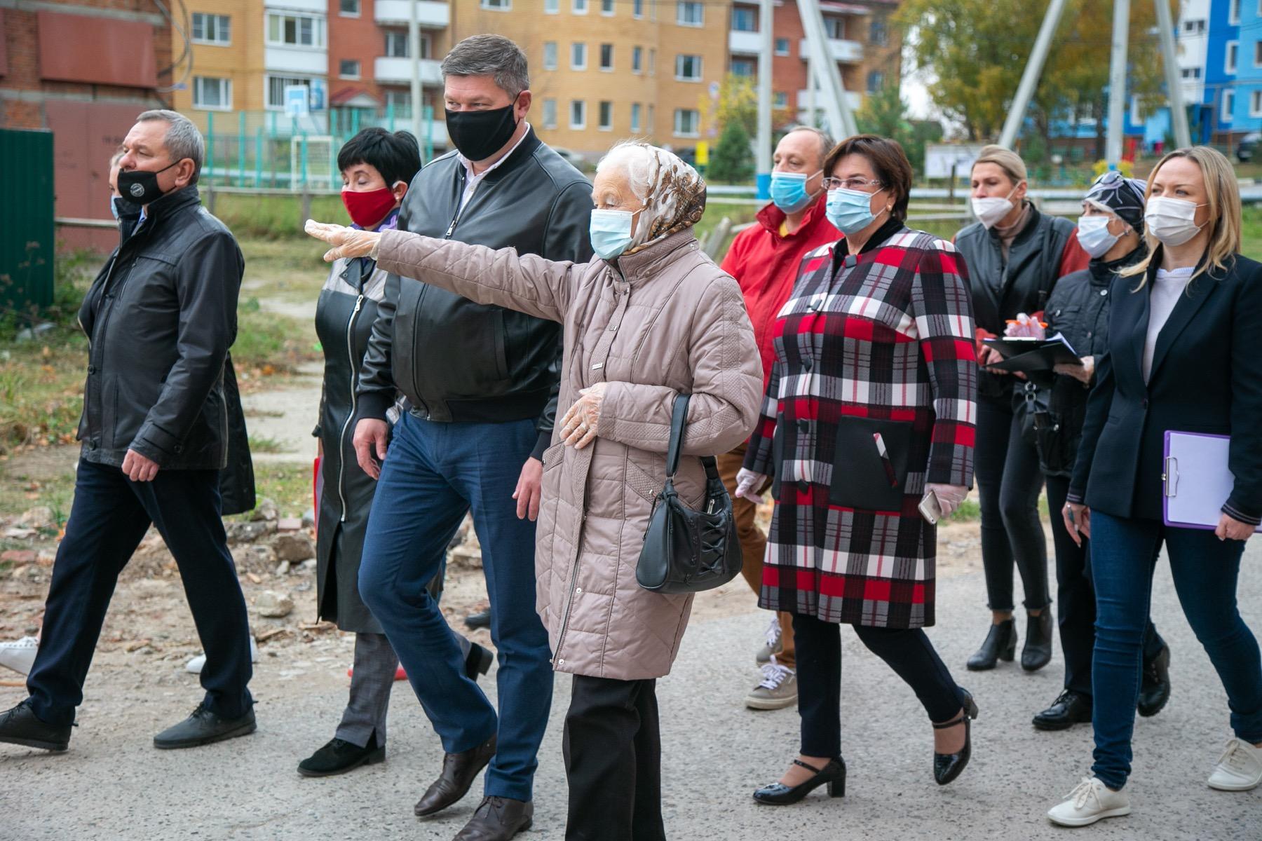 Выполнение поручений по благоустройству села Акатьево проконтролировал глава муниципалитета