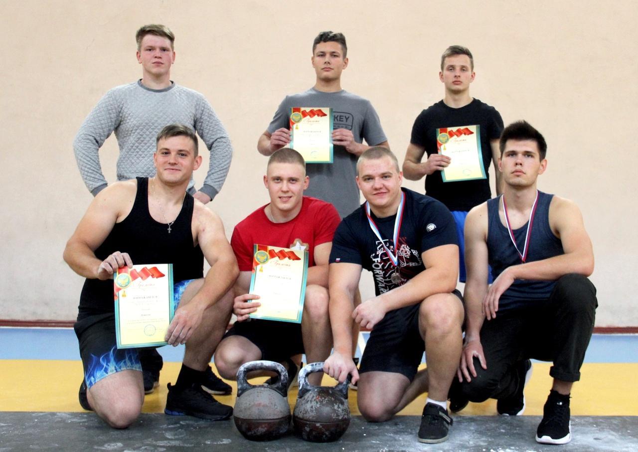 Коломенские студенты проверили силу своих мускулов