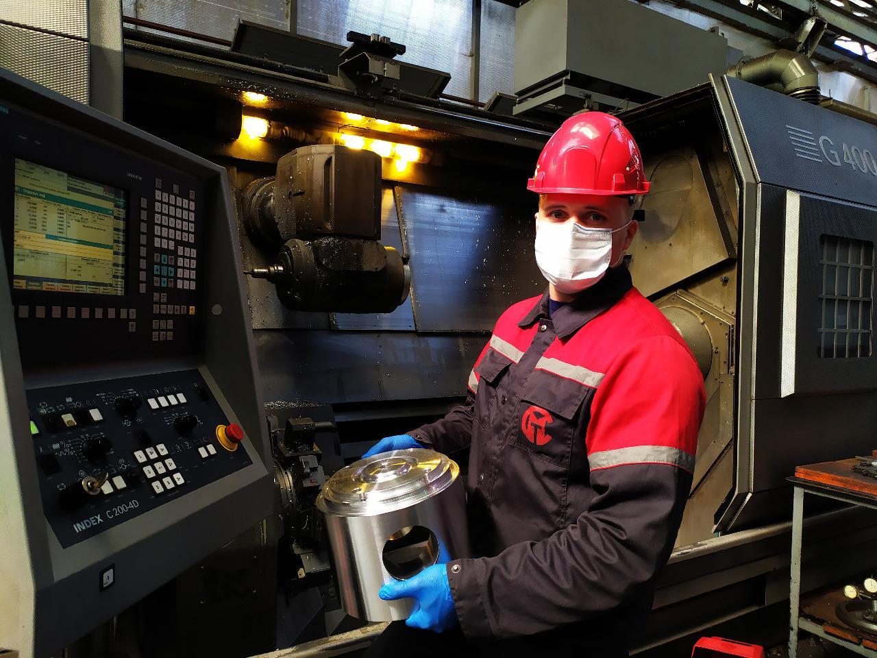 На Коломенском заводе определили одну из самых востребованных профессий — оператор станков с программным управлением