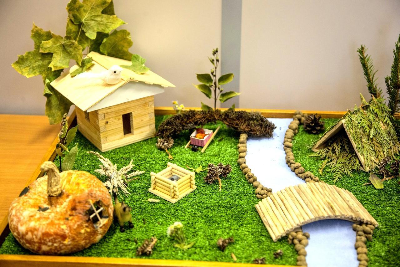Коломенские студенты провели выставку поделок «Осенняя фантазия»