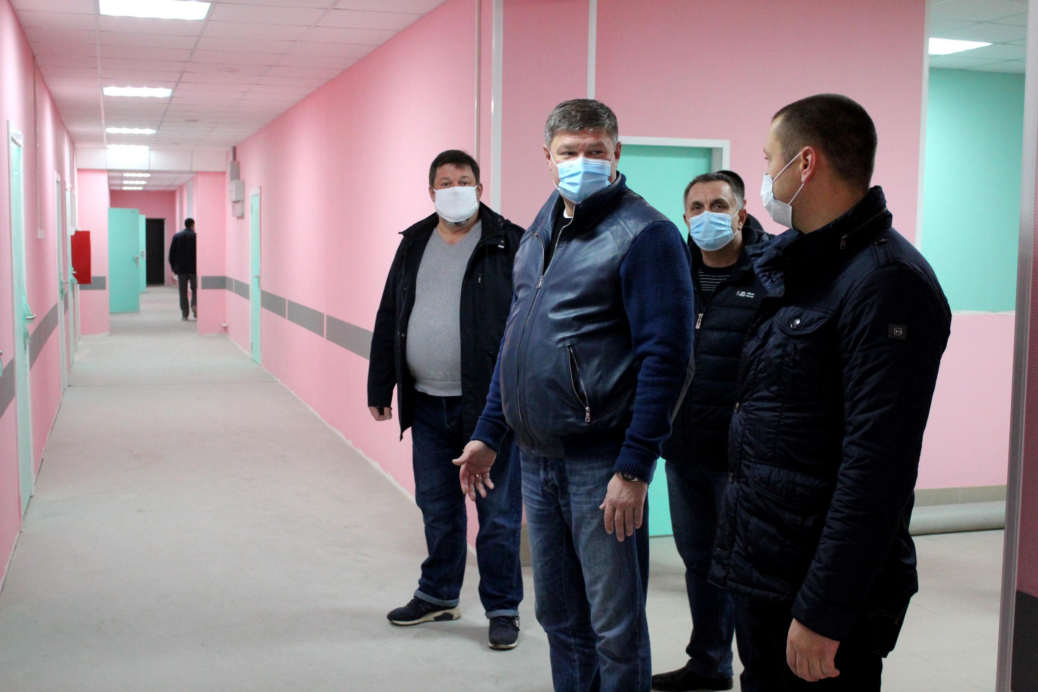 В поликлинике поселка Радужный завершается капитальный ремонт
