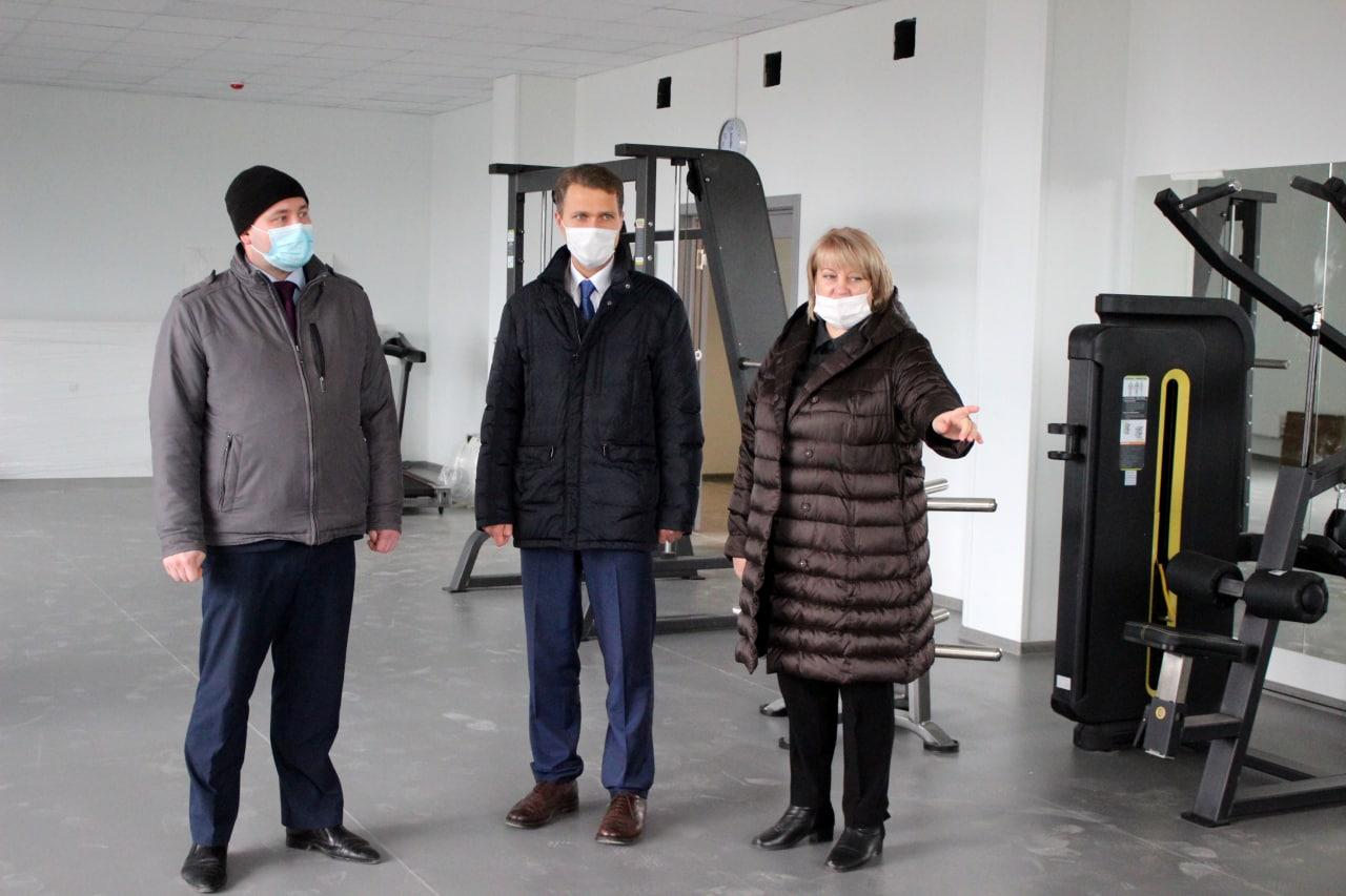 Строительство Песковской школы проверил первый зампред Мособлдумы