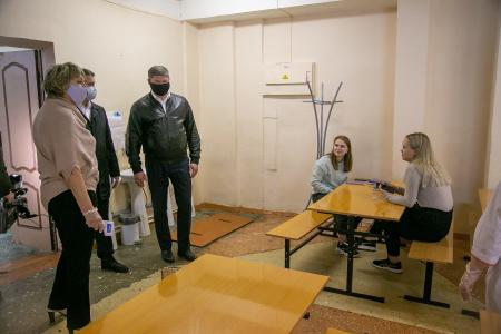 В коломенской школе № 16 обновили площадку для проведения торжественных мероприятий