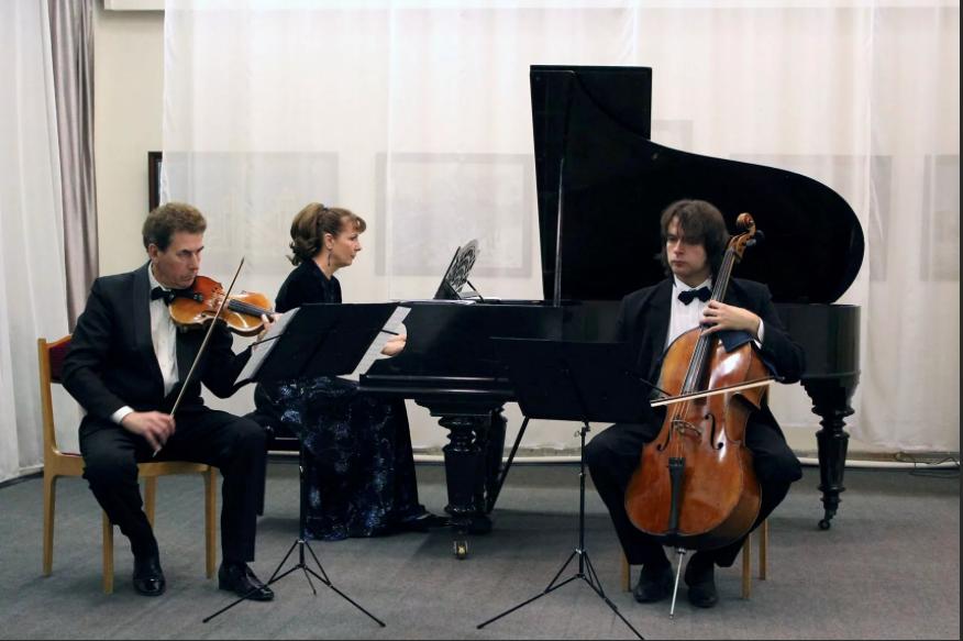 В Коломне прошел концерт ансамбля солистов Клавир-трио «Элегия»