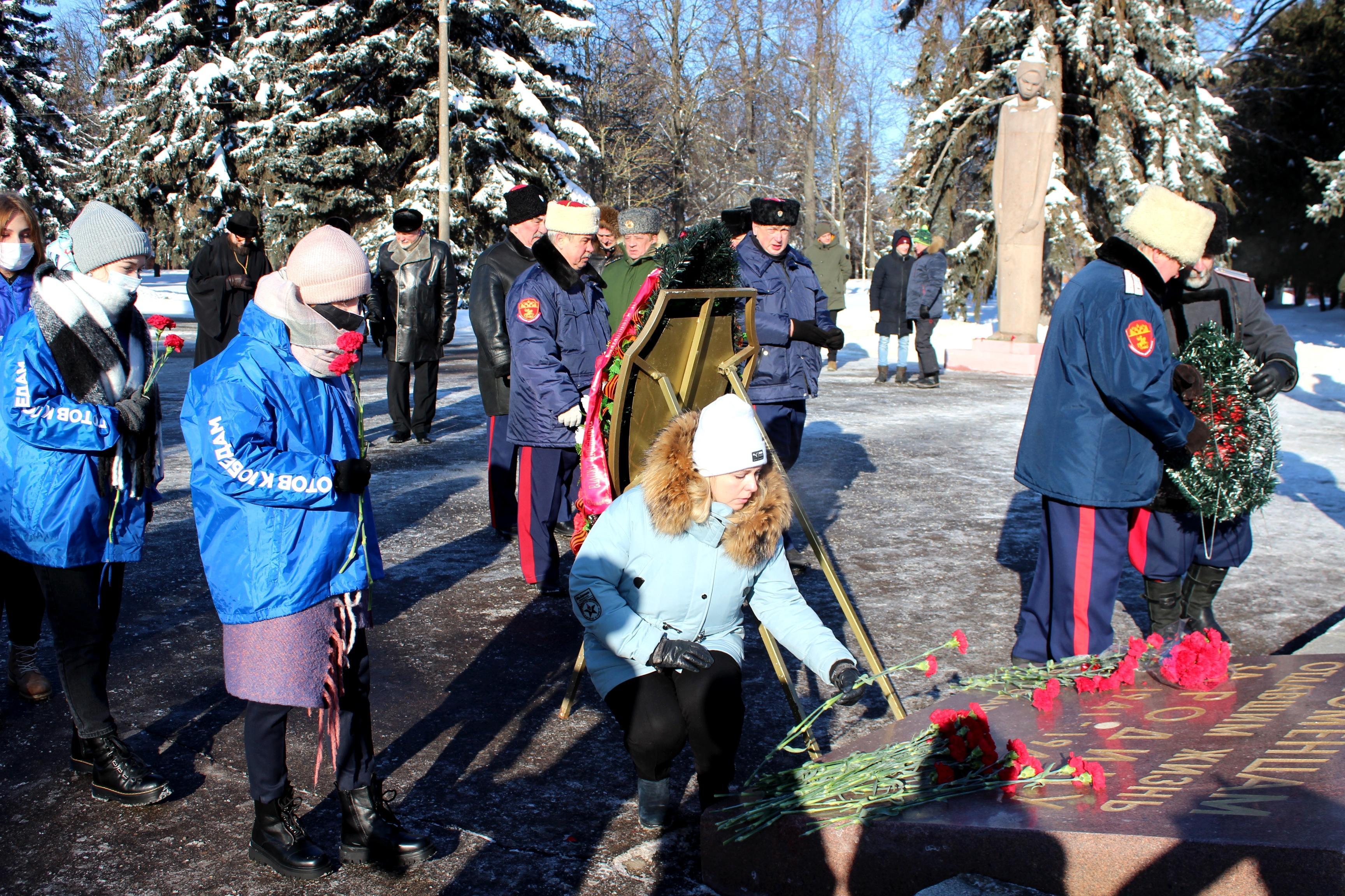 1614090630 img 6917 - В День защитника Отечества в Коломне возложили цветы и венки к Вечному огню