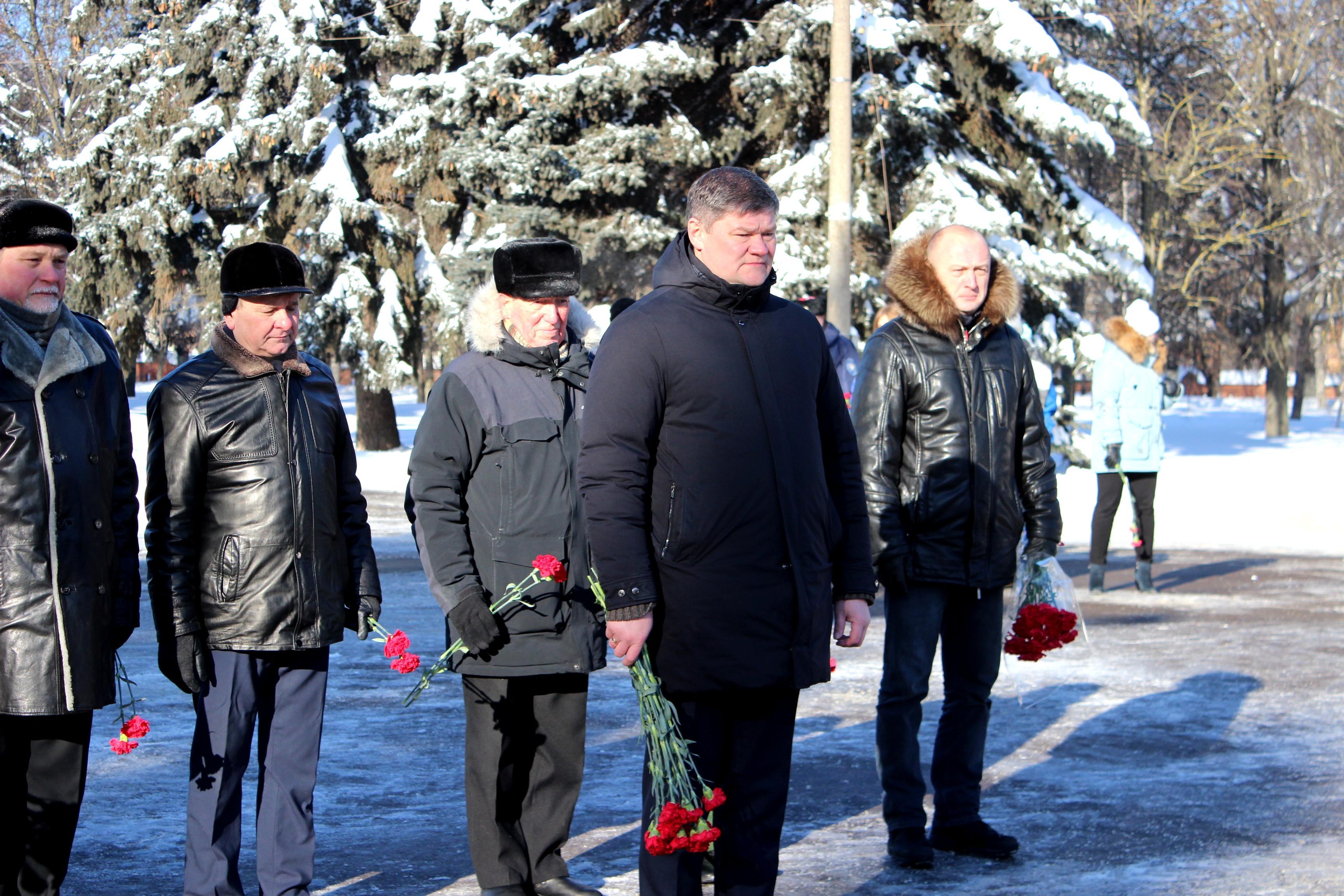 1614090645 img 6883 - В День защитника Отечества в Коломне возложили цветы и венки к Вечному огню