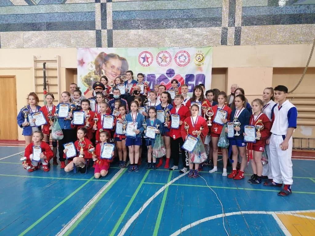 Озерчанки заняли первые места на турнире по самбо, посвящённом Международному женскому дню