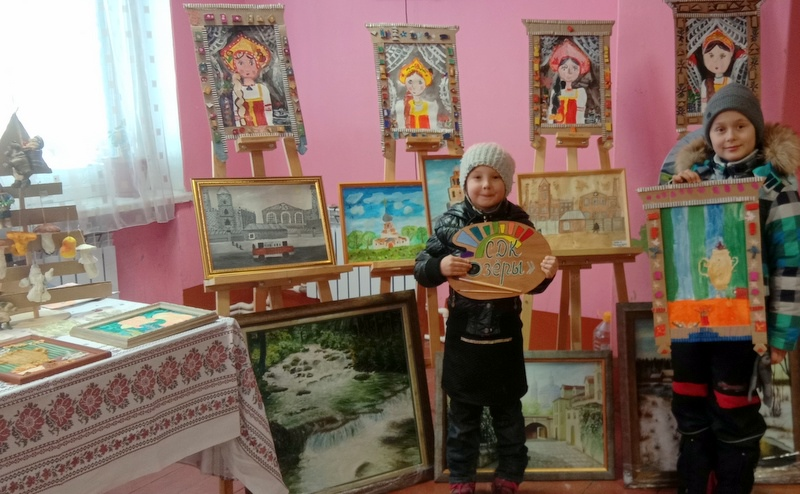 Выставка рисунков и декоративно-прикладного творчесва состоялась в СДК «Озёры»